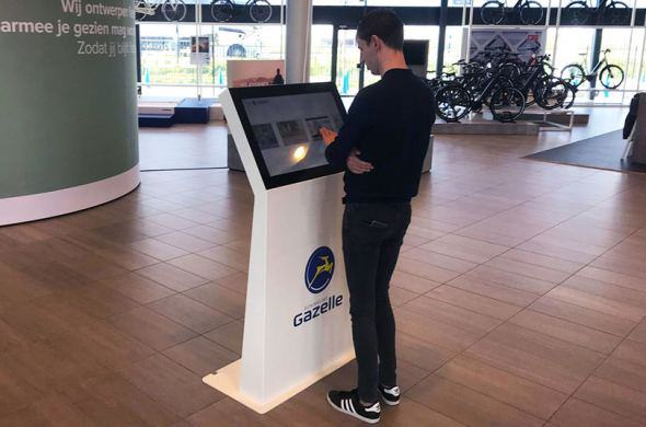 Gazelle puts information kiosks with Omnitapps in its stores